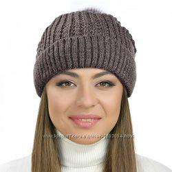 Вязаные женские шапки с узором Косичка разные цвета
