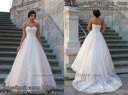 Нова Пишна мереживна весільна сукня 2015 Frezia весільний салон Bride