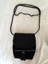 черная бархатная сумка
