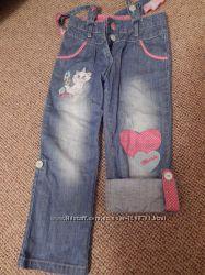 джинсы-капри фирмы DISNEY 110р