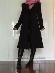 Пальто BGN сост нового 38 р