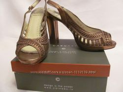 Стильные кожаные открытые туфли 39 размера