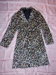 Демисезонное леопардовое пальто
