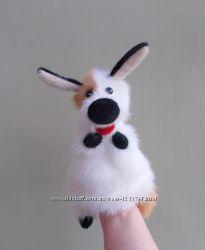 Щенок, игрушка - перчатка для домашнего кукольного театра.