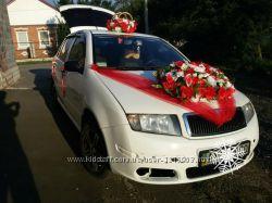 Цветы на свадебную машину
