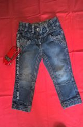 Узкие джинсы 92р