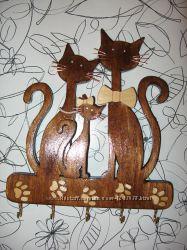 Настенная ключница Коты с котенком