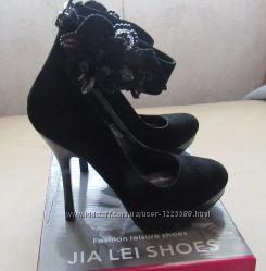 Туфли в идеальном состоянии стелька 24 см