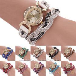 Симпатичные часы женские со стразами