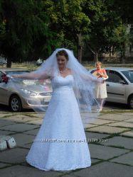 Платье свадебное для шикарной девушки 52-54раз.