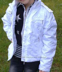 продам куртку ветровку для девочки