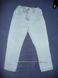 Две пары фирменных штанишек на девочку р. 98