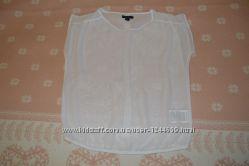 Белая шифоновая блузка с приоткрытой спиной