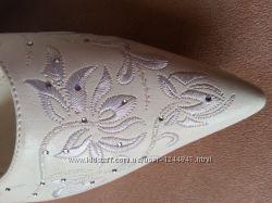 изящные свадебные туфельки