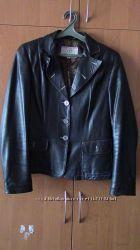 Жіноча шкіряна куртка весна-осінь