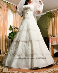 Продам красиве  весільне плаття.