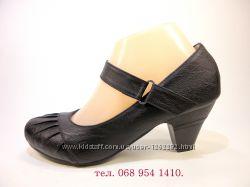 Туфли женские с ремешком на липучке, на каблуке. Размер 35-41.