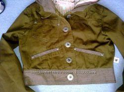 Стильная укороченная куртка с капюшоном р. 9-10  в отличном состояни