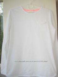 Белая футболка дл. рукав Zara с карманом р. 140 см. в идеальном состоянии