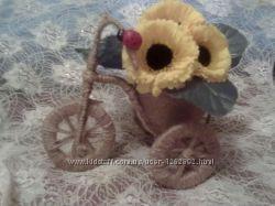 Романтическая    цветочная корзинка на велосипеде