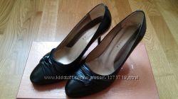 Изящные туфли фирмы Giomali 34 р.