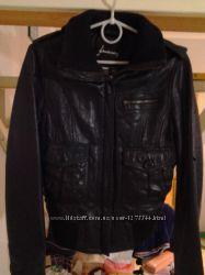 куртка весенняя женская кожаная размер  M