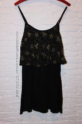 платье черное с кружевной оборкой New Look