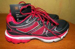 Яркие, дышащее кроссовки от бренда  KARRIMOR, Англия