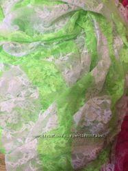 Ткань стрейч-гипюр полосатый .
