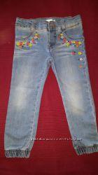 джинсы на 3-5 лет отличное состояние
