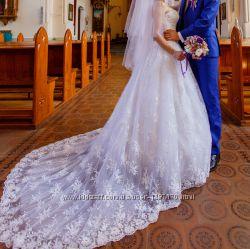 Мое свадебное платье со шлейфом расшитое бисером