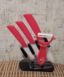 Ножи керамические с подставкой красные. Новые