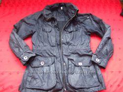 Стильная фирменная курточка ветровка