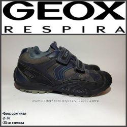 Женские кроссовки Geox оригинал р-3623 см стелька