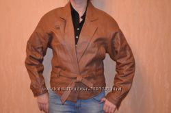 кожаная куртка в хорошем состоянии