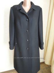 Женское пальто в отличном состоянии, размер 48, шерсть