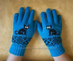 Яркие перчатки с узором