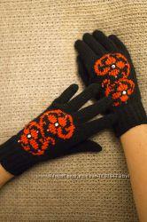 Перчатки с цветами и стразами