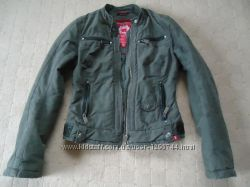 Фирменная теплая курточка xs-s Еsprit