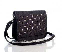 Женская сумка  с люверсами из войлока модель  23