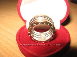 Кольцо Bvlgari 750 проба золота, 77шт. бриллиантовое паве