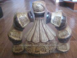 Винный набор глиняный, украшен лепкой, кувшин и 6 чарок