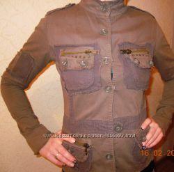 Котоновый пиджак цвета хаки ZOE р. 4042