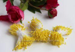 Тычинки желтые искристые