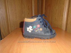 Продам демісезонні черевички BOBBIE SHOES 20 розміру