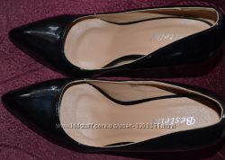 Классические женские туфли лодочки  туфлі-човники 37 размер Польша