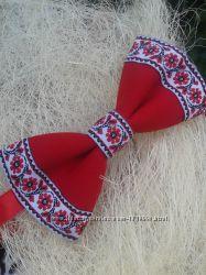 Галстук бабочка красная вышиванка
