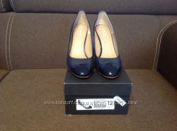 Туфли женские темно синие новые Massimo Dutti