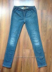Синие джинсы фирмы Pieces accessoaries
