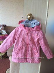Продам весеннюю курточку 3 в 1 на девочку